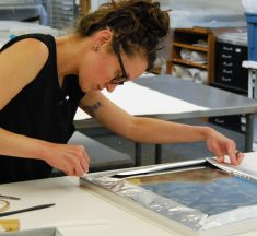 "Puestos de trabajo en EEUU ""Photograph Conservator – Conservation Center for Art & Historic Artifacts"""